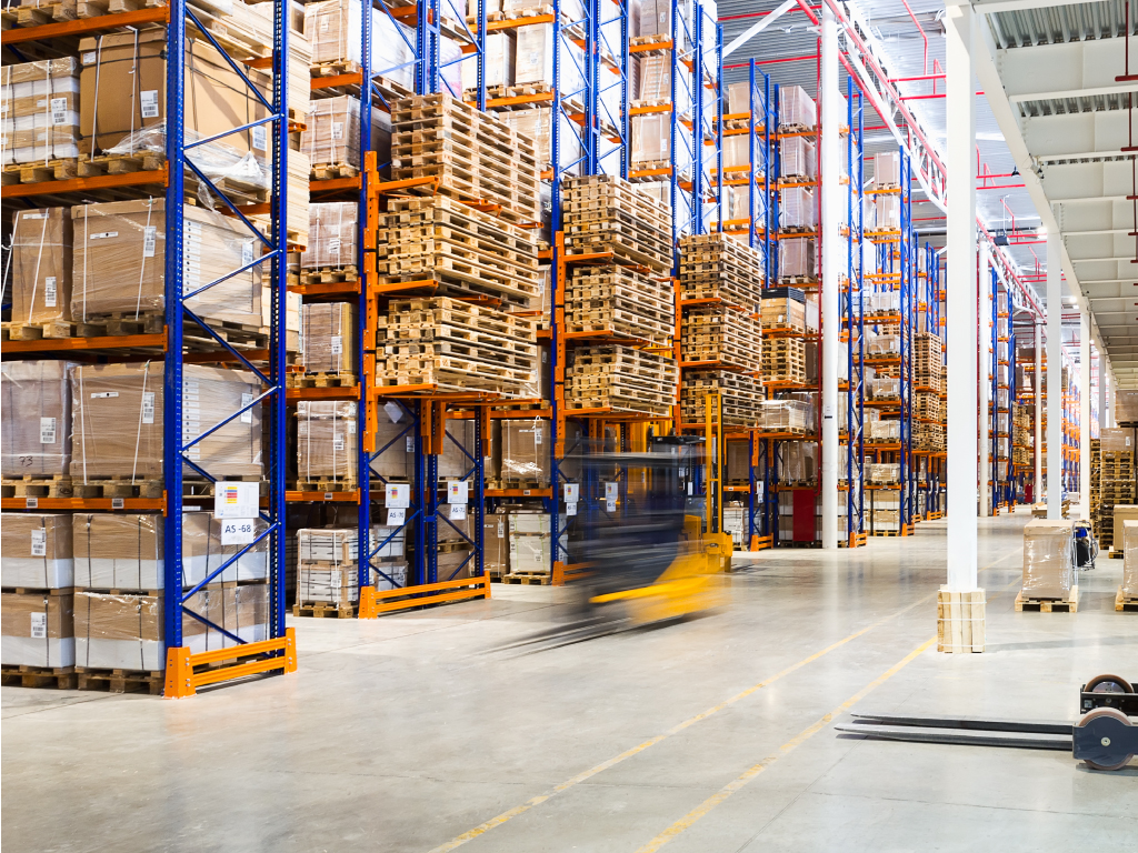 7-Factors-To-Consider-When-Choosing-a-Warehousing-Company-cover-1.jpg