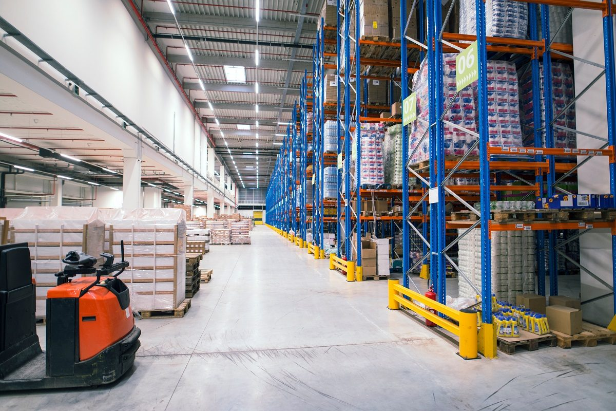 Warehouse-Solutions-How-to-Maximize-Warehouse-Space-Utilization-5-1200x800.jpg